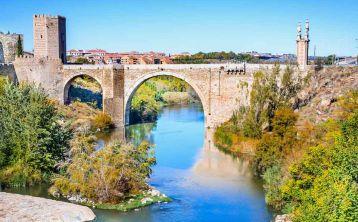 Tour Toledo y Cata de vinos desde Madrid en grupo reducido