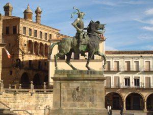 Estatua Pizarro Trujillo