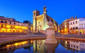 Visita guiada nocturna en Trujillo