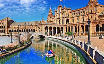Seville Tour from Cádiz