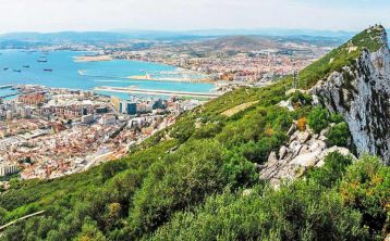 Excursión privada a Gibraltar y Bolonia desde Cádiz