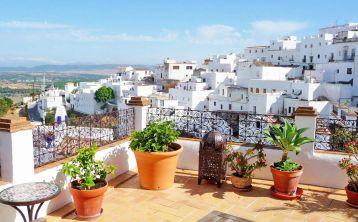 Tour privado a Vejer de la Frontera y Bolonia desde Cádiz