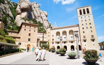 Montserrat Tour from Barcelona with Cog-Wheel Train