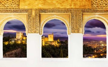 Alhambra tour by night with skip the line ticket