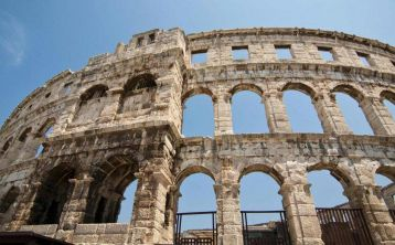 Rome Walking Tour: Colosseum & Roman Forum