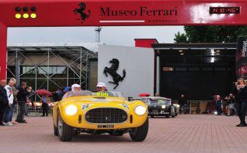 Tour al Museo Ferrari con almuerzo desde Siena