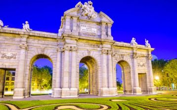 Madrid Highlights Walking Tour by Night