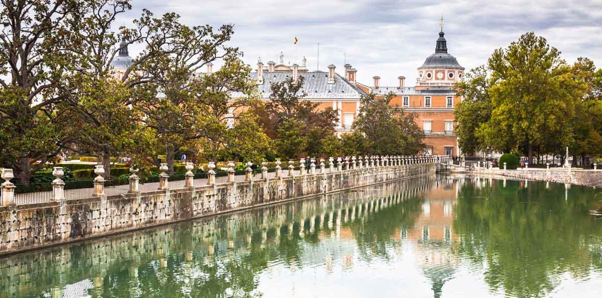 Toledo and aranjuez full day tour nattivus for Golf jardin de aranjuez