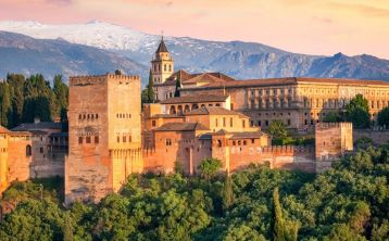 6-Days Tour from Barcelona: Córdoba, Sevilla, Granada & Valencia
