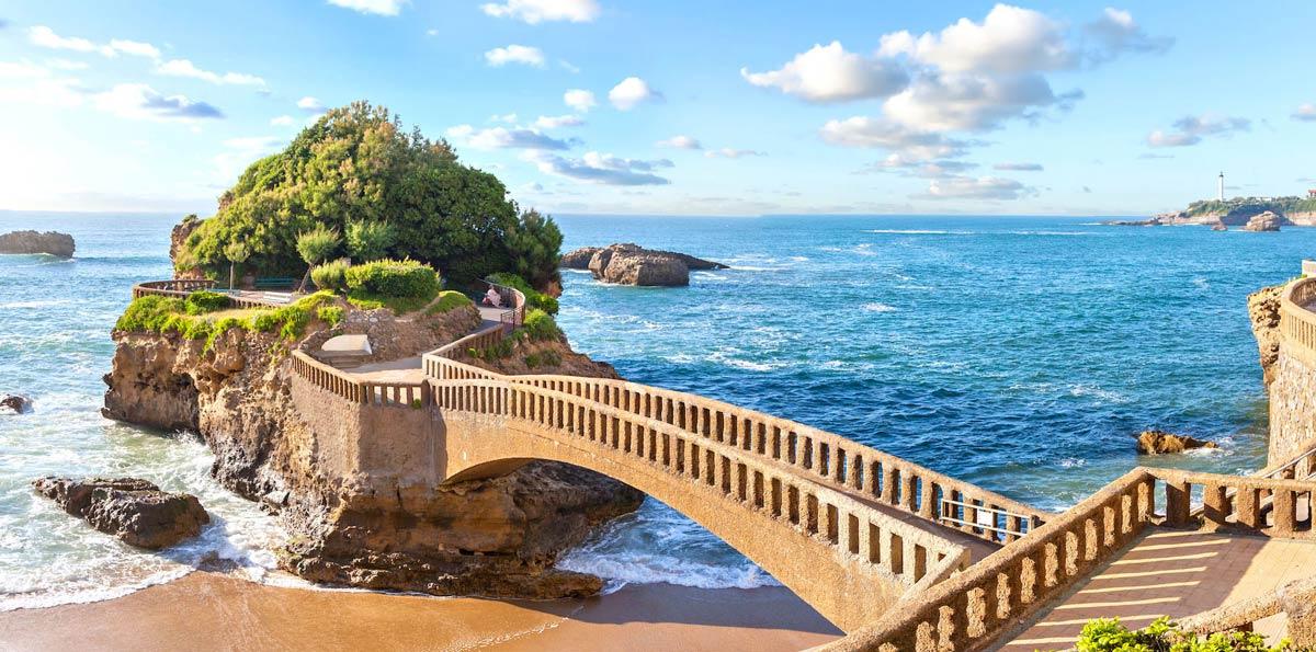 5 days tour bilbao san sebasti n and basque coast nattivus for Camping cerca de vitoria