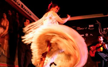 Madrid: Flamenco Show at Corral de la Morería with drink or dinner