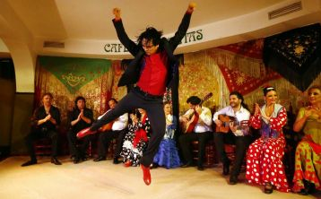 Madrid: Flamenco Show at Café de Chinitas with drink or dinner