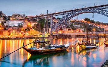 Tour por Oporto al Completo con Cena típica y Fado