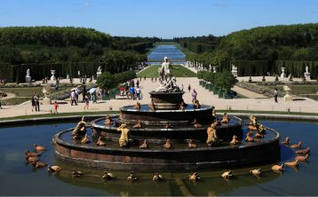 Versailles Palace Tour in small group