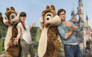 Disneyland Bus \+ Ticket from Paris