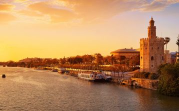 Seville Sightseeing Tour & River Cruise