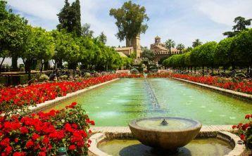 Córdoba walking Tour: Mosque - Cathedral, Alcázar, Jewish Quarter and Mudejar chapel