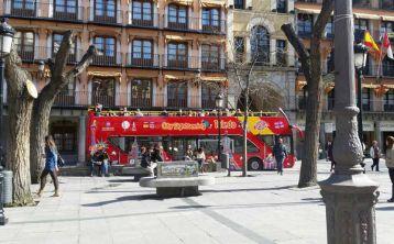 Toledo Experience: Visita guiada con tapa y Autobús Turístico de Toledo